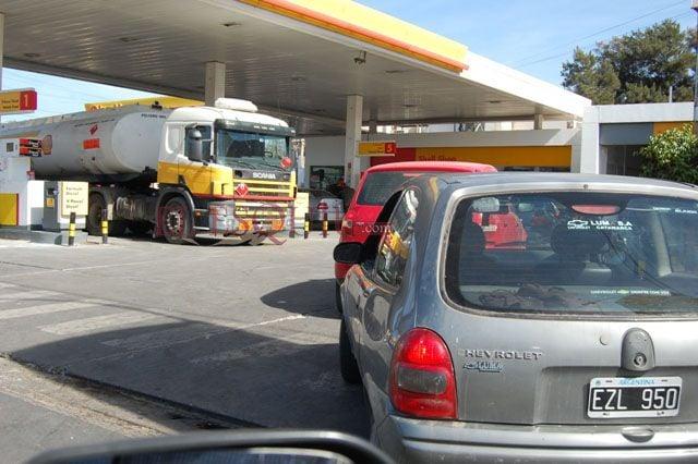 Siguen las subas de las naftas, hoy fue el turno de Axion