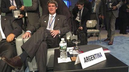 Economía venezolana cerrará 2016 con una caída de 10% — FMI