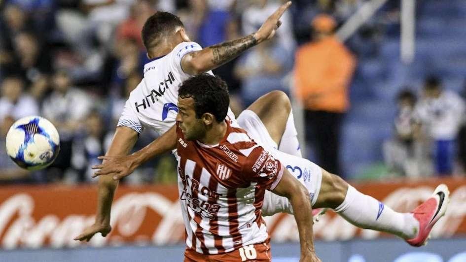 Unión le ganó a Vélez y es el único escolta de Boca