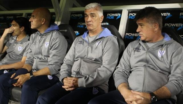 Omar De Felippe renunció a su cargo de entrenador de Vélez