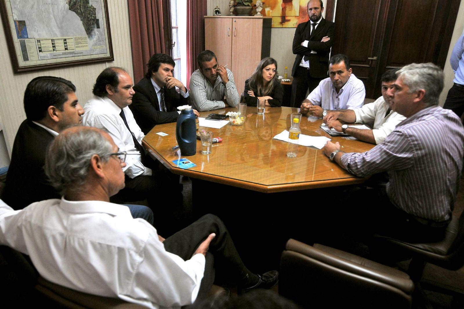 Elecciones legislativas argentinas se realizarán el 22 de octubre