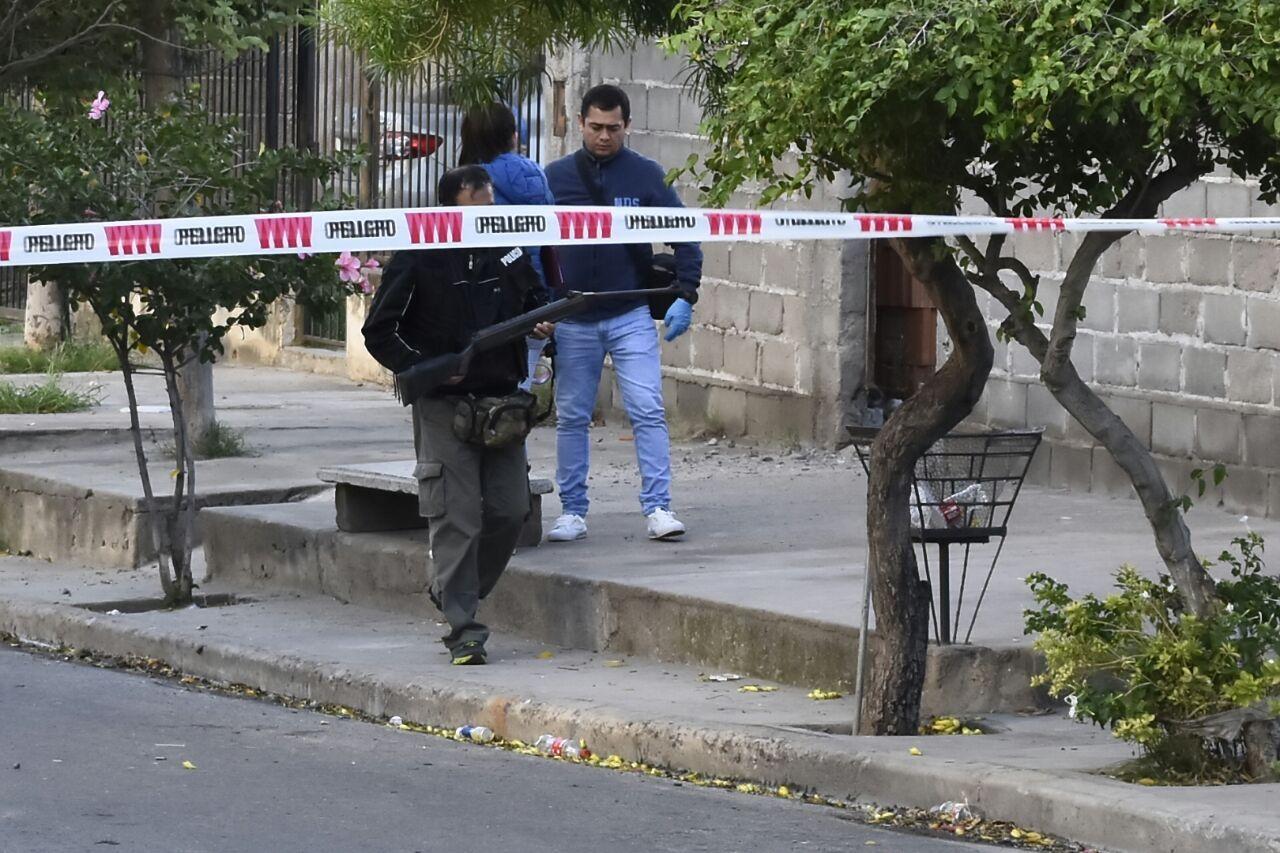 Asesinan a un joven en un barrio del sur