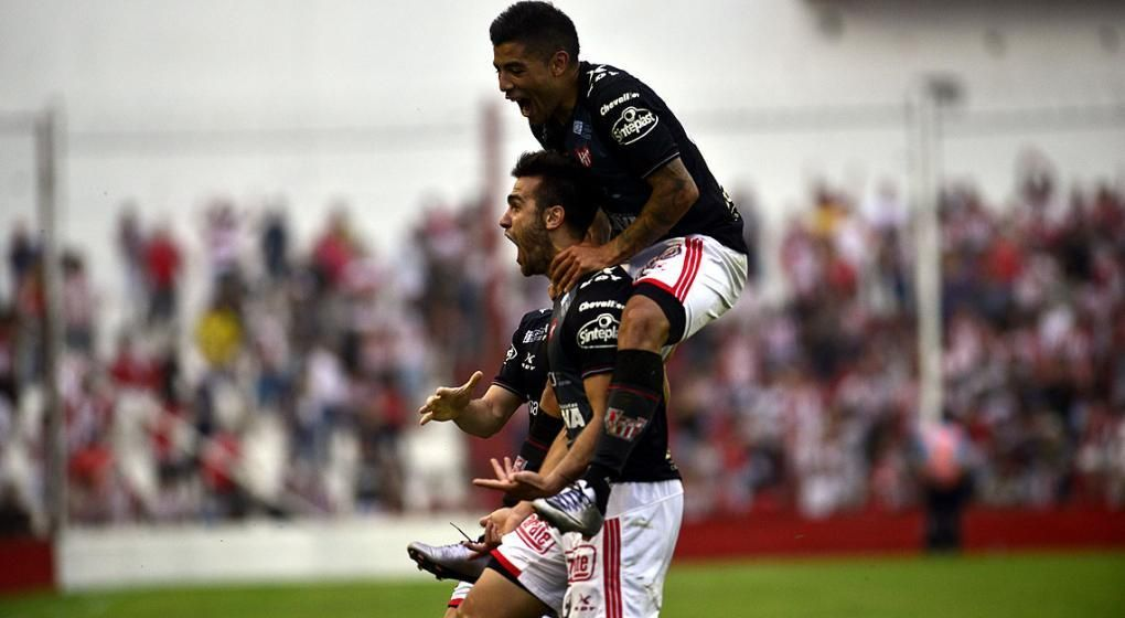 Instituto derrotó a Boca Unidos en Corrientes