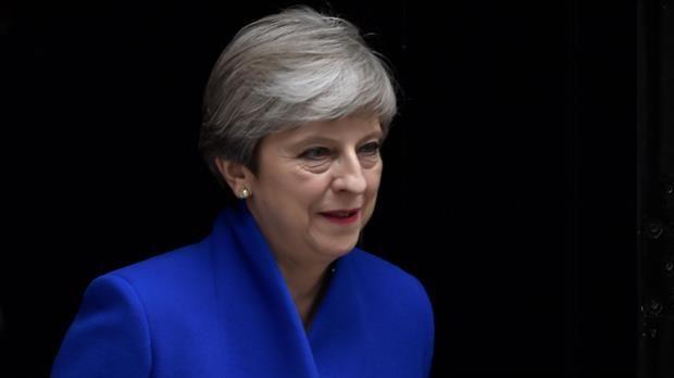 Conservadores británicos pierden mayoría absoluta en resultado desastroso para May