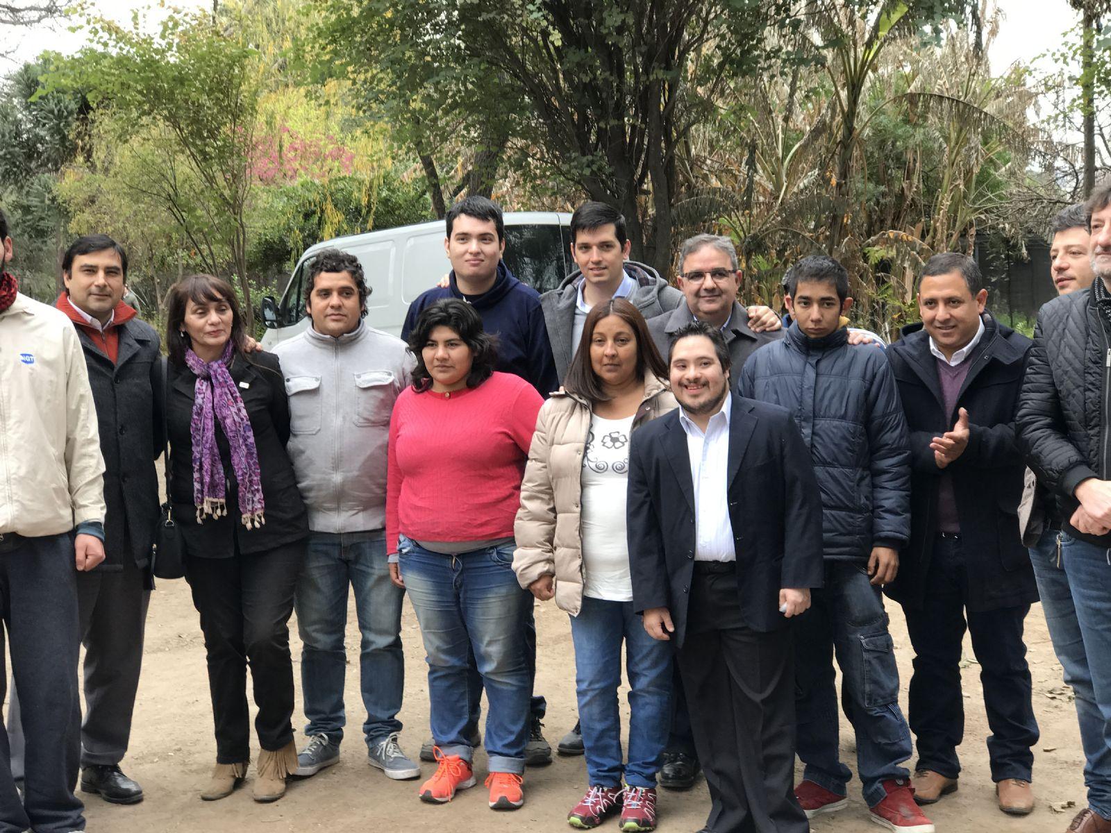 El vivero municipal integrar a doce personas con for Vivero municipal