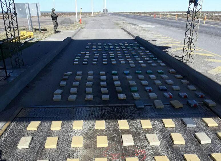 Secuestraron 200 kilos de cocaína en Las Salinas