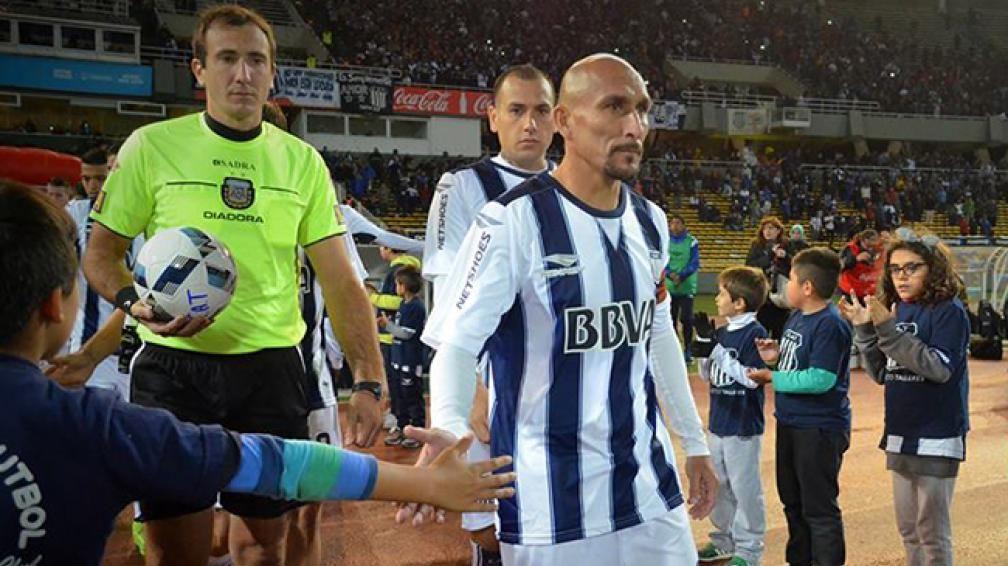 Independiente debutó con un gran triunfo frente a Huracán