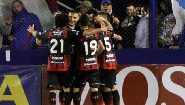 Superliga: Patronato hizo los deberes y metió un triunfazo en Victoria