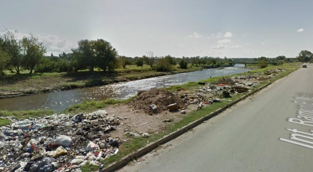 Hallan un cadáver flotando en el Suquía cerca del puente Monteagudo