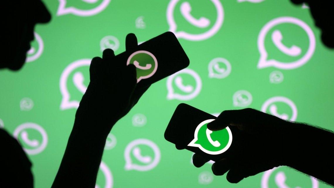 El curioso chat entre un joven y la persona que halló el celular de su novia