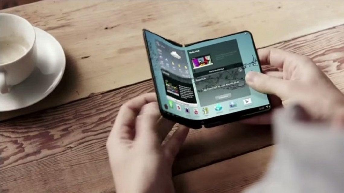 Samsung presenta su primer móvil con pantalla plegable