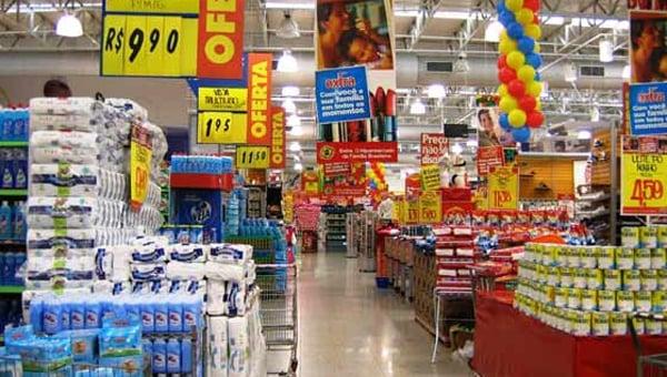 Actualidad: Un banco ofrece 50% de descuento en compras de supermercados