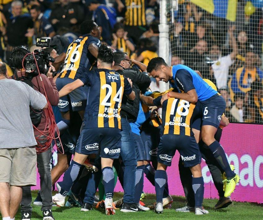 Rosario Central le gana el duelo decisivo a Gimnasia en Mendoza