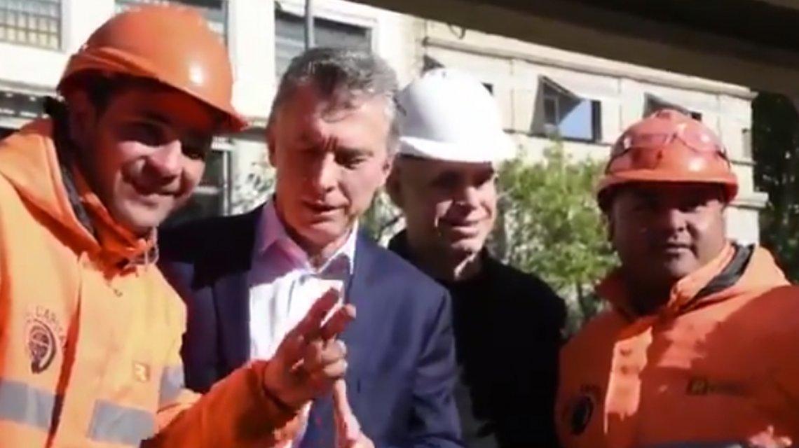 Un obrero le hizo pasar un incómodo momento a Mauricio Macri