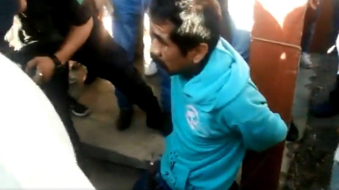 Linchan y queman vivo a supuesto pedófilo en Chiapas (imágenes fuertes)