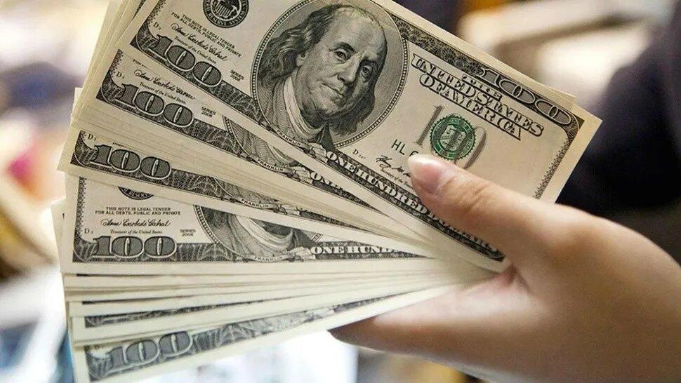 El dólar blue pegó un salto y ya cotiza más de $140