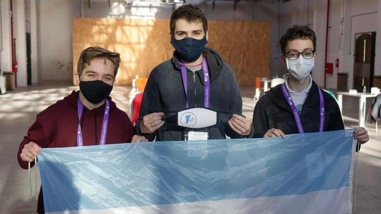 Se lleva México medalla de oro en Olimpiada Internacional de Matemáticas