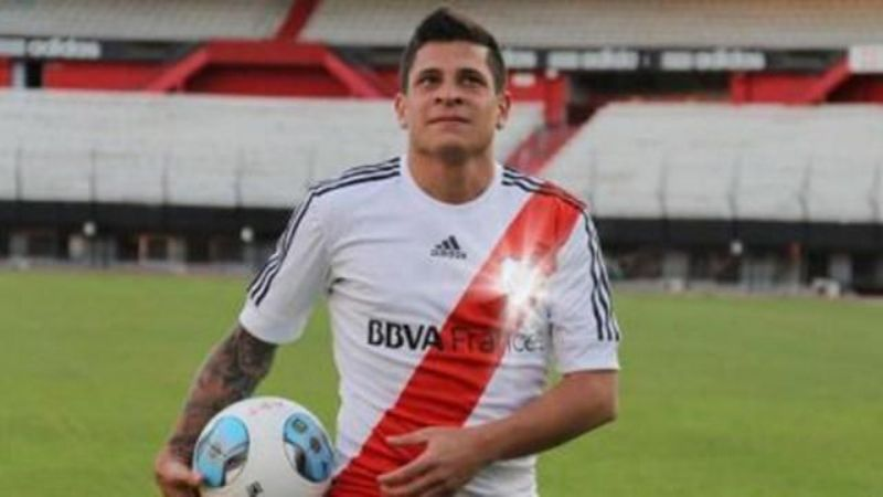 River pretende escalar en la tabla