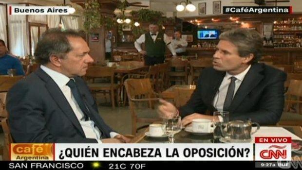 """Daniel Scioli: """"Si yo fuese presidente, este bar estaría lleno"""""""