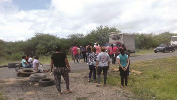 Vecinos de San Antonio de La Paz continúan con el reclamo