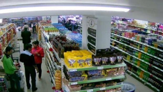 Aprehenden a un septuagenario por robar en un supermercado