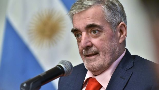 Internaron al gobernador Mario Das Neves
