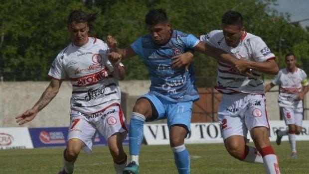 Unión Aconquija rescató un empate ante Huracán Las Heras