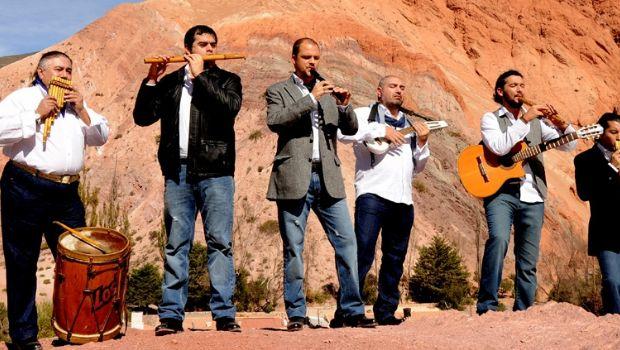 Verano en Aconquija: música en vivo, famosos y más