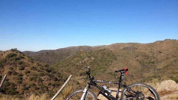 Practicaba mountain bike y se perdió en el Ambato
