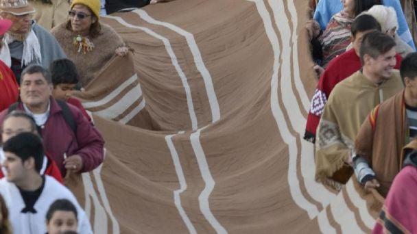 Impresionantes imágenes de la marcha de ponchos | El Esquiu