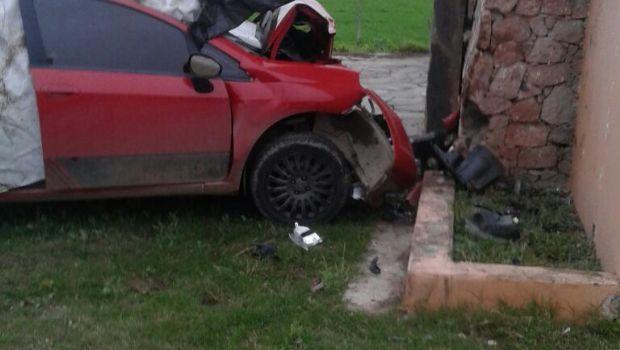 Dos jóvenes fallecieron en grave accidente en el ingreso a Alijilán