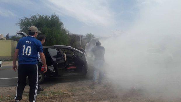 Se incendió un auto en la circunvalación del norte