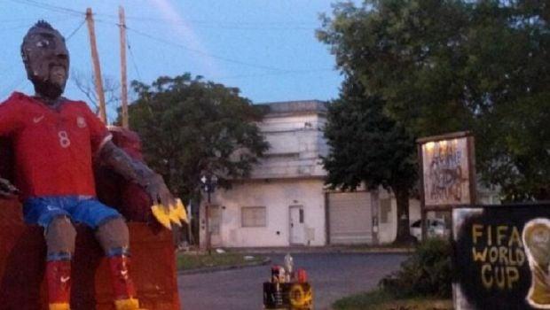 La respuesta de Arturo Vidal al muñeco de La Plata