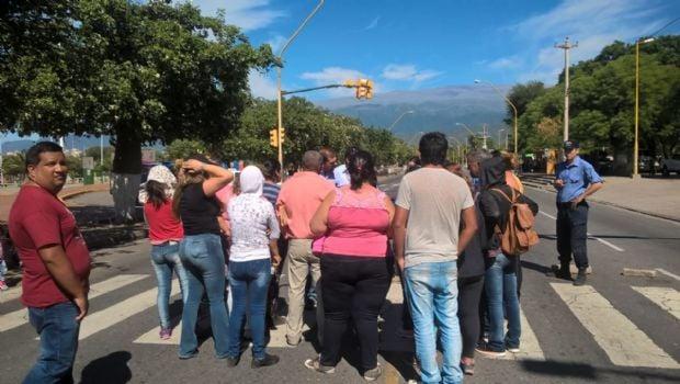 Vecinos de Valle Hermoso reclaman soluciones habitacionales
