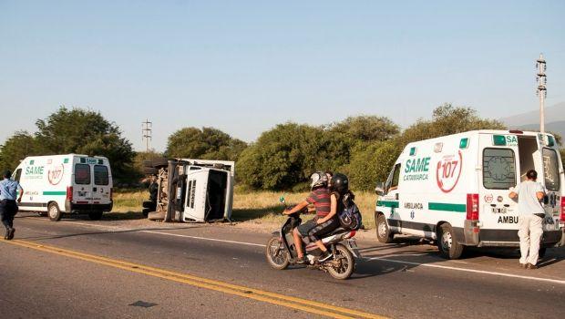 Volcó camión recolector en Circunvalación: hay dos heridos