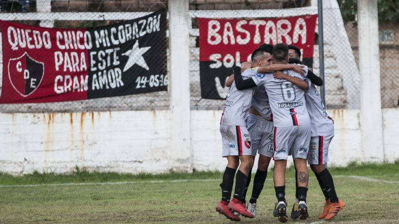 Defensores se coronó ante Independiente