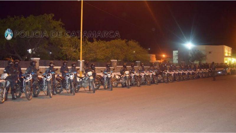 Más de 100 efectivos participaron de un operativo de seguridad en el sector sur de la Capital