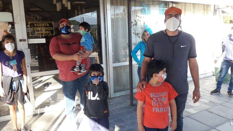 """Trabajadores del restaurante """"El Rincón de Lucho"""" se manifestaron en el local"""