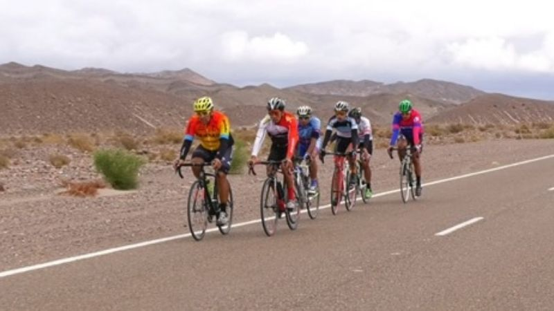 El Androni, a por el Giro 2018 con 17 ciclistas - Zikloland